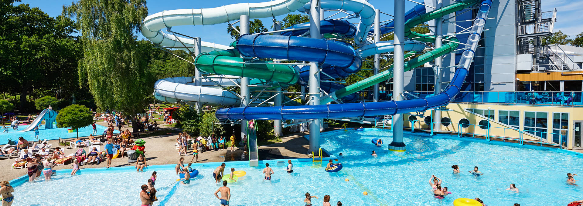 Buitenbad tikibad - Campsites in holland with swimming pool ...
